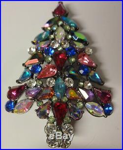 Vintage 2006 Signed Avon 3rd Annual Christmas Tree Color Rhinestone Pin Brooch